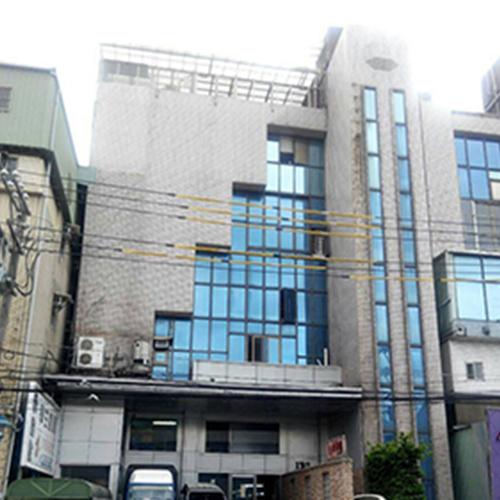 新莊住辦大樓外牆使用SA工法改修前