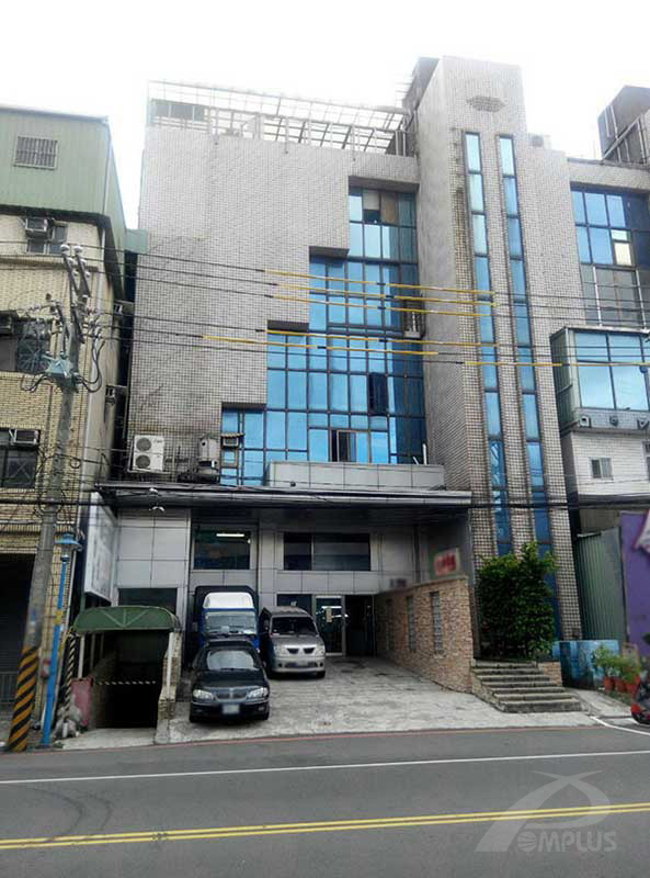 新莊獨棟住宅-外牆改造前-Wallplus外牆更新專科工法