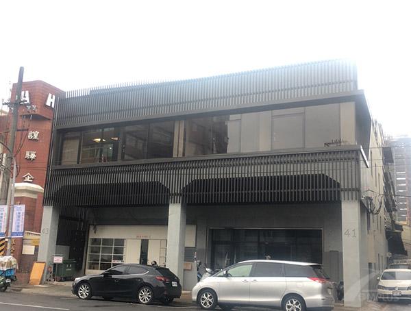 新北市化學公司-外牆改造後-Wallplus外牆更新專科工法