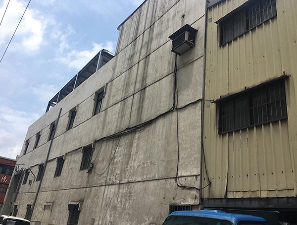 新北市化學公司-外牆改造前-Wallplus外牆更新專科工法