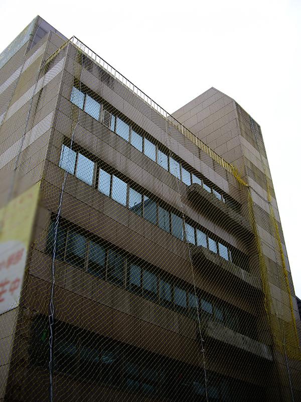 建築外牆設計、拉皮施工前 - 屋齡超過25年,外牆老舊剝落