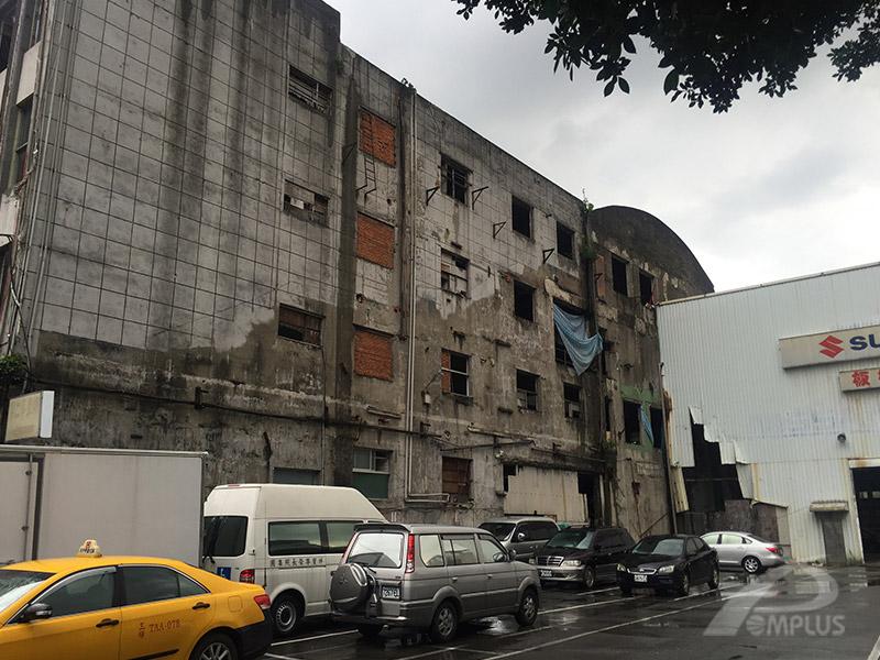 板牆商辦大樓_外牆改造前-Wallplus外牆更新專科工法