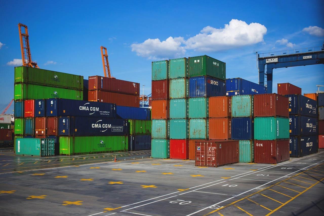 近年運輸成本翻倍飆漲,影響進出口貿易。(攝影/Joanna Malinowska/freestocks.org)